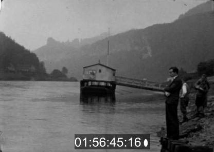 Die Verfilmung von Karl Ulrich Schnabel ist die einzige Realfilmversion, in der die Hauptfigur Munk die im Buch beschriebene Weltreise auch antritt.