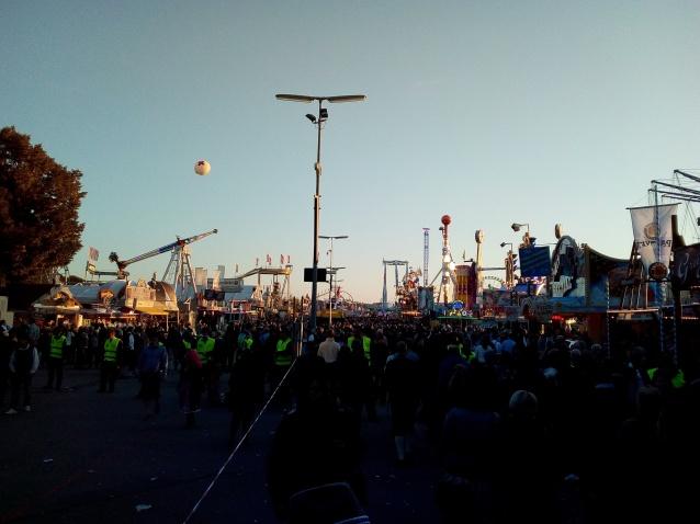 München, Oktoberfest: Am Rummel kommt man kaum vorbei...