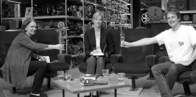 Denise Schmid, Ursula Kähler und Raff Fluri nach der Online-Vernissage aus dem Lichtspiel Bern. Foto: Desirée Scherer